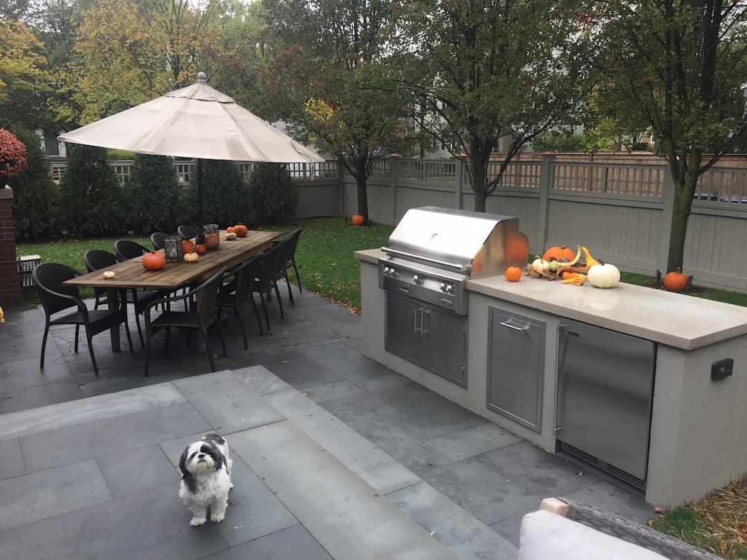Paver patio outdoor space outdoor kitchen outdoor dining Evanston IL