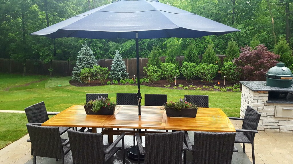 Outdoor Dining Landscaping Lake Bluff, IL